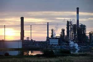 European Refiners' Profit Revival Faces End - WSJ