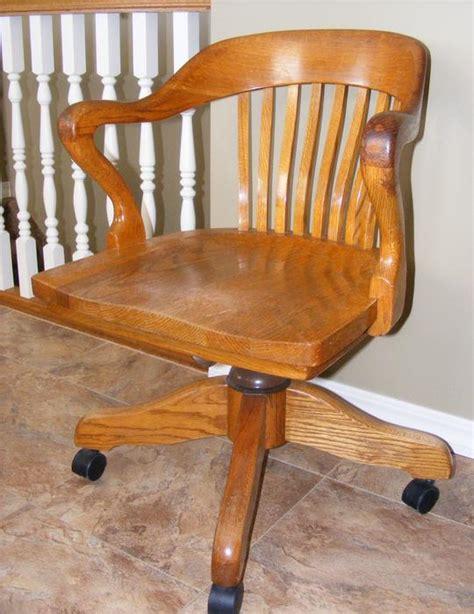 vintage solid oak  krug swivel office chair rural regina