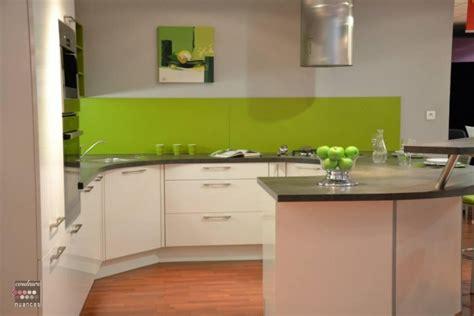 cuisine peinture verte deco cuisine vert pomme