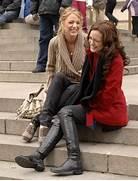 MET steps    Gossip Girl   Pinterest   Met  Sweaters and Outfit  Serena Van Der Woodsen And Blair Waldorf Met Steps