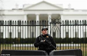 Vehicle rams security gate at White House | Daily Mail Online