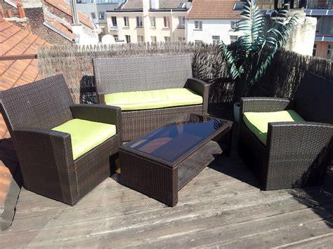 ensemble table chaises awesome lit de jardin carrefour contemporary design