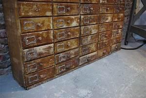 meuble d39atelier a tiroirs par le marchand d39oublis With meuble ancien