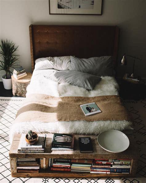 chambre fourrure chambre cocooning et sa couverture en fourrure déco
