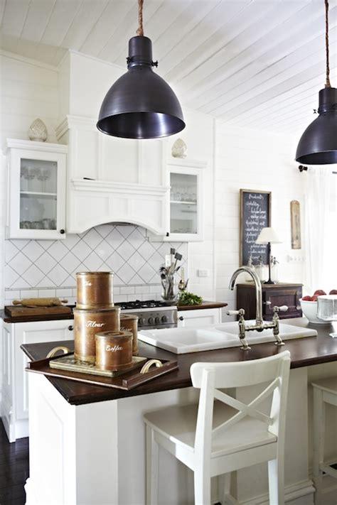 large kitchen pendant lights cottage kitchen design cottage kitchen justin bishop 6803
