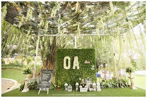 wedding outdoor  green raffless hills