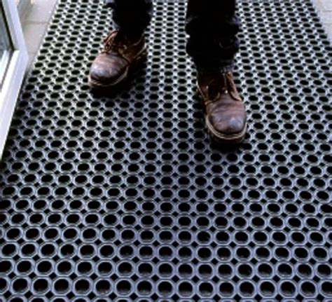 agencement cuisine professionnelle tapis caillebotis caoutchouc 22mm et 12mm anti dérapant