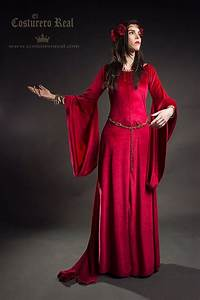 283 best images about Medieval Dress on Pinterest ...