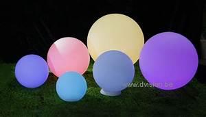Boule Led Exterieur : boule lumineuse led sph re led boule led exterieur boule led piscine boule led jardin seau ~ Teatrodelosmanantiales.com Idées de Décoration