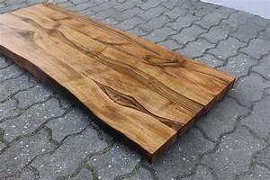 Tischplatte Mit Baumkante : waschtisch tischplatte platte nussbaum massiv holz mit baumkante neu leimholz ebay ~ Frokenaadalensverden.com Haus und Dekorationen