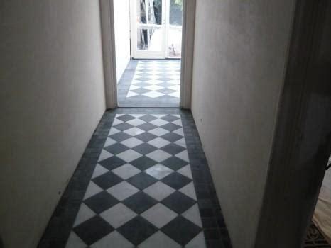 tegels diagonaal leggen hal in oud huis in stijl betegelen werkspot