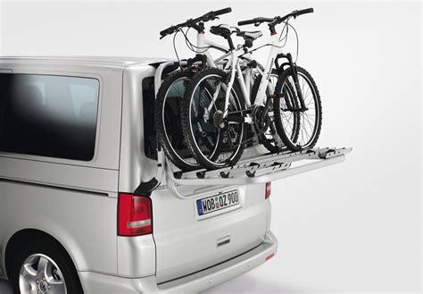 fahrradträger vw t5 original vw t5 fahrradtr 228 ger f 252 r die heckklappe