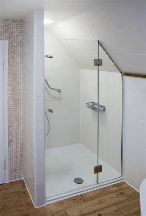 Dusche Dachschräge Kleines Bad by Kleine B 228 Der Dachschr 228 Ge