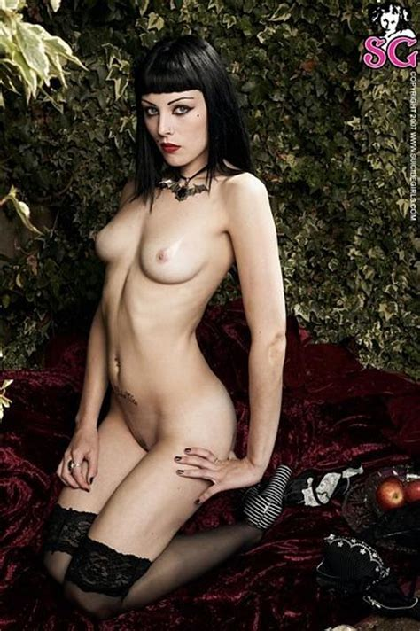 Very Sexy And Dark Nude Goth Nudeshots