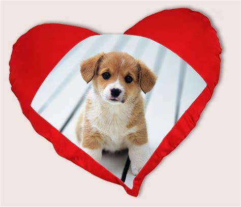 coussin en coeur personnalise coussin coeur personnalis 233 id 233 e de cadeau pour amoureux coussin imprim 233 avec photo