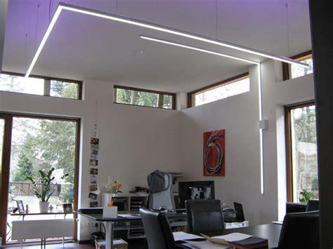led profil decke beleuchtung mittels led lichtlinien