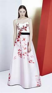 la mode des robes de france robe blanche avec fleur noir With chambre bébé design avec robe fluide a fleurs