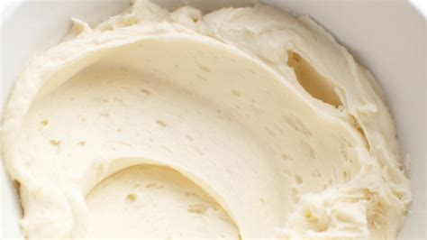 simple vanilla frosting