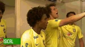 Estes 16 gifs de David Luiz dançando enlouquecidamente no ...