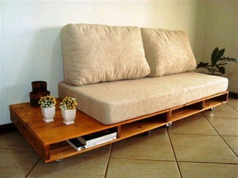canapé sur roulettes comment fabriquer un canapé en palette tuto et 60