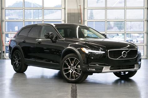 volvo  cross country  awd