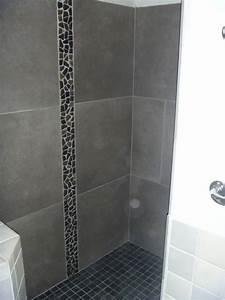 salle de bains en pierres naturelles azur agencement With frise galet salle de bain