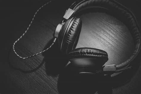 headphones corded grayscale headset audio technology sound music pickpik royalty earphones listen dj listening entertainment