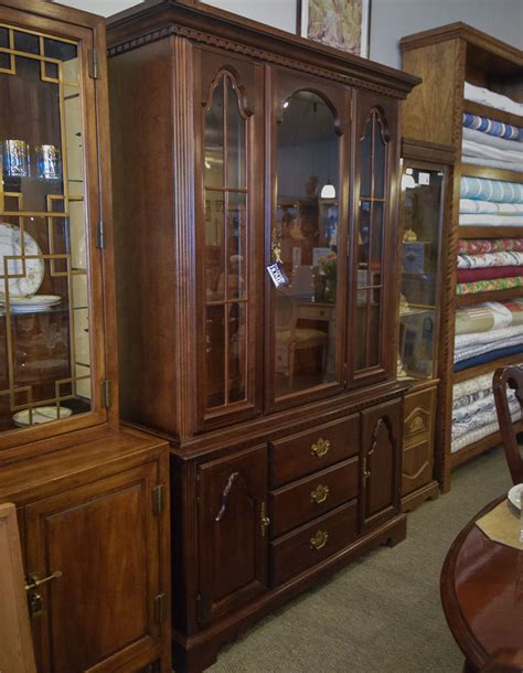 broyhill hutch broyhill buffet hutch new home furniture consignment