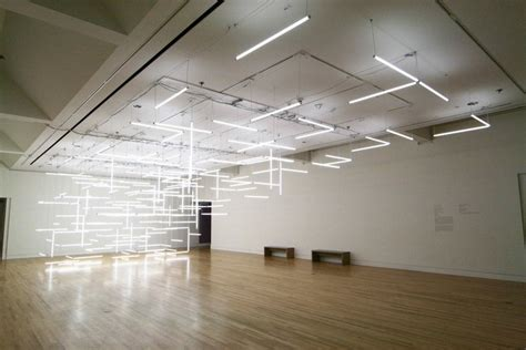 installation composed of 200 suspended fluorescent
