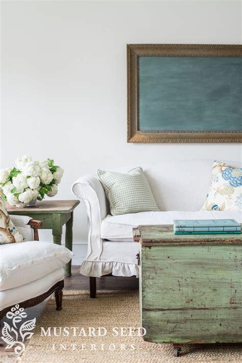Slipcovered Settee by Slipcovered Settee Living Room Spiration