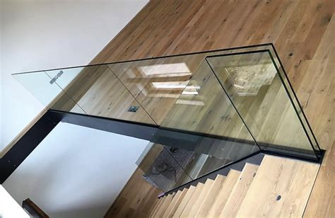 treppengeländer aus glas treppengel 228 nder br 252 stungsgel 228 nder aus glas