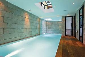 piscine interieure a paris le luxe ultime With awesome jardin et piscine design 10 maison moderne avec une magnifique piscine interieure