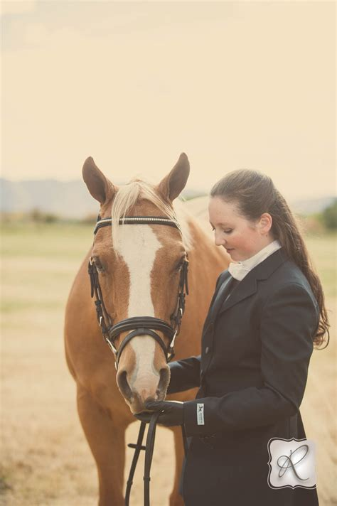 Emma's Senior Pictures With Her Horse - Durango Wedding ...