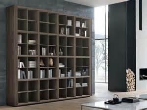 Libreria a parete in legno tratto alivar