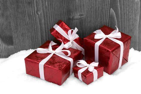 weihnachten geschenk kostenlose foto holz wei 223 bl 252 tenblatt herz geschenk