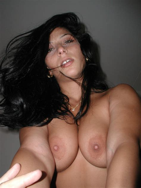 8 · French Milf Bitch Amateur Exhib France