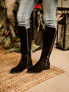 boots with low heel in black or taupe spoiled