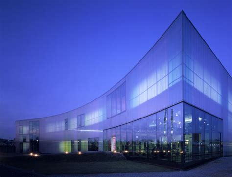 laban center facade in polycarbonate panels by rodeca gmbh polycarbonate transparent glazing