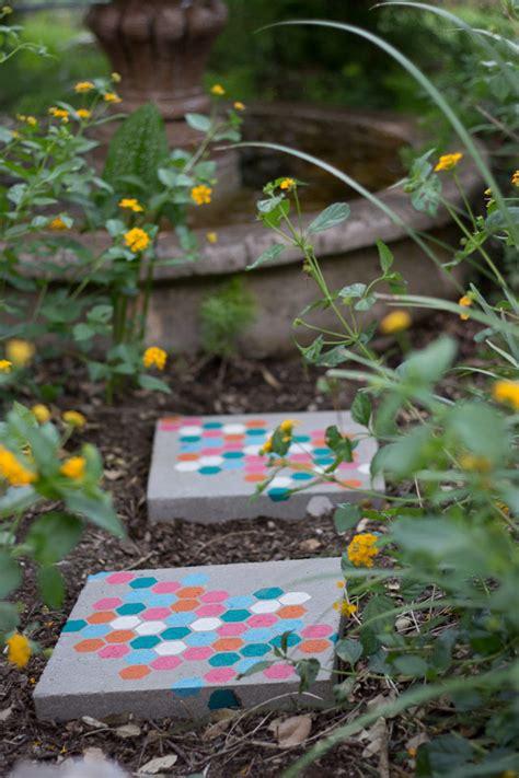 stepping stones diy yard projects allfreeholidaycraftscom