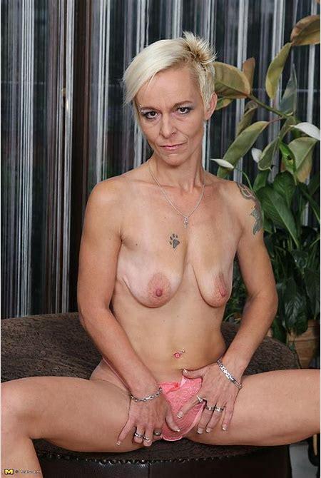 Sexy MILF Roxette Rub Her Pussy / MILF Fox