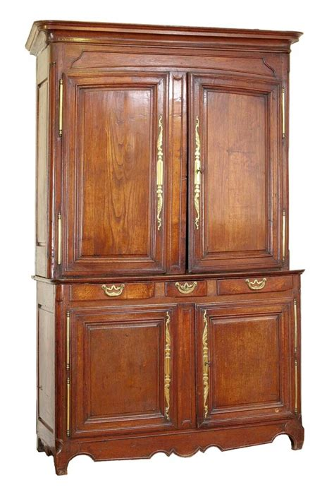 how wide are kitchen cabinets 170 best antiques images on antique furniture 7385