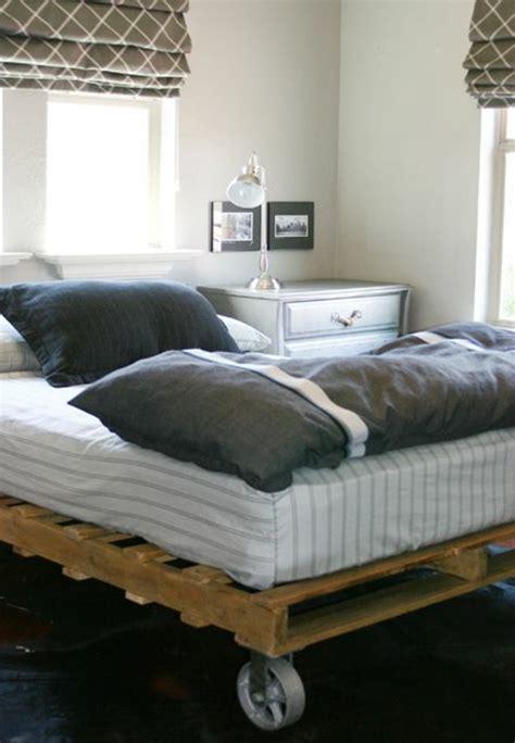 canapé lit en palette comment faire un lit en palette 52 id 233 es 224 ne pas manquer