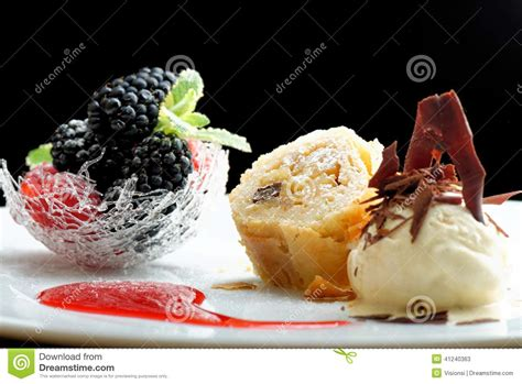 dessert cuisine haute cuisine strudel with and berries dessert