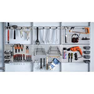 rangements garage wikiliafr With ordinary la maison du dressing 2 15 idees de rangements pratiques et astucieuses