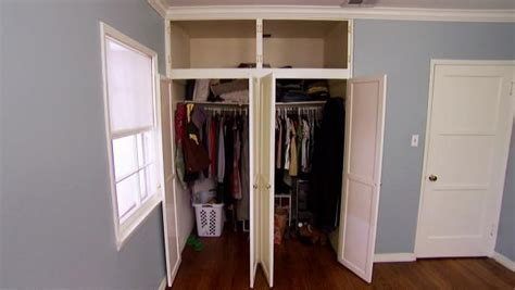 His and Her Bedroom Closet Video   HGTV