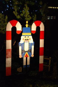 christmas soldier steps to drawyard sign 1000 images about nutcracker soldiers on soldiers nutcrackers and