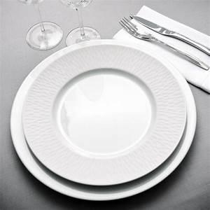 Service Assiette Design : vaisselle porcelaine moderne design en image ~ Teatrodelosmanantiales.com Idées de Décoration