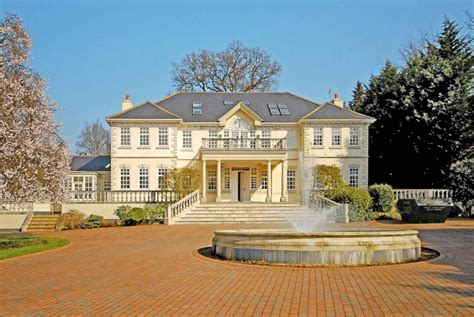 7 Bedroom House For Sale In London Road, Sunninghill