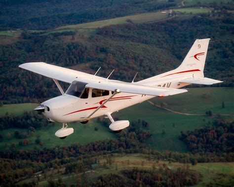 2010 Cessna Skyhawk  Picture 341270  Plane Review