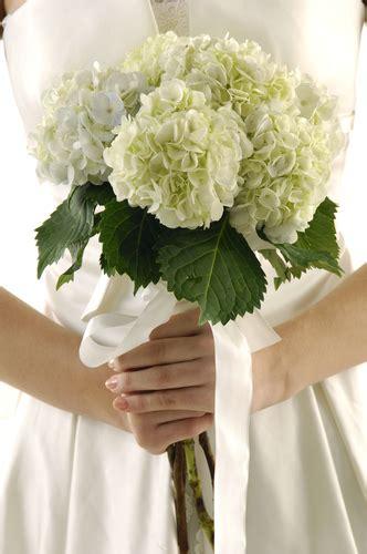ring fits    popular wedding flowers